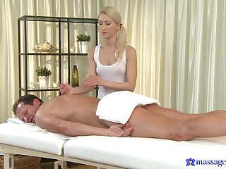 Masseuse residuum up on the other hand the client's dick up her fine holes