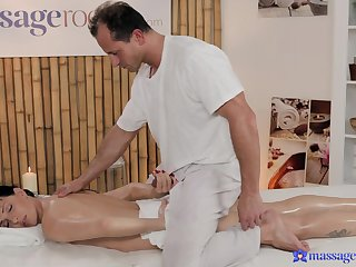 Skinny bitch is pleased round ride a difficulty older masseur like that