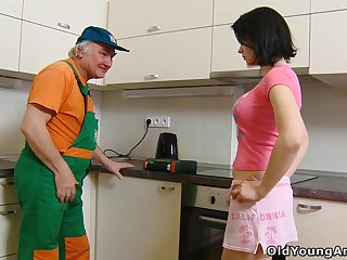 Spoiled brunette Dasha lures old plumber to be analfucked firm middling